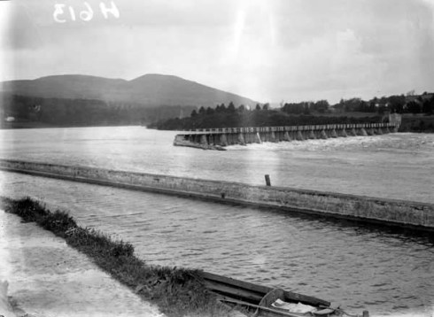 Old Killaloe weir prior to Shannon scheme