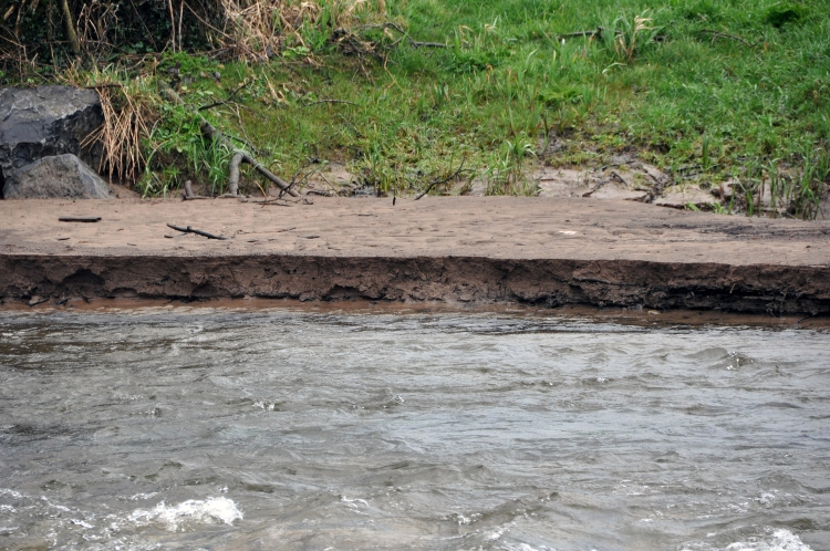Evidence of significant silt mobilisation downstream of Ballyclogh weir