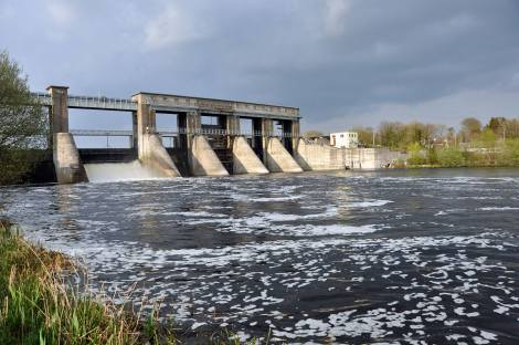 Parteen regulating weir, late April 2014, no operating elver traps