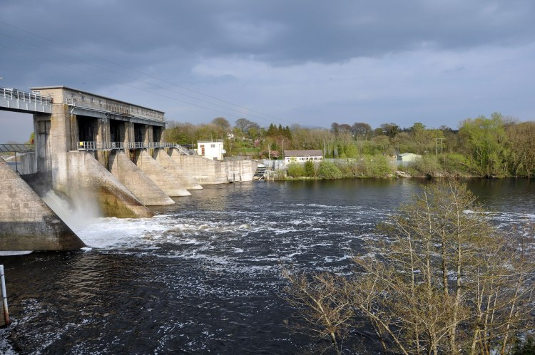 Parteen weir on the Lower River Shannon