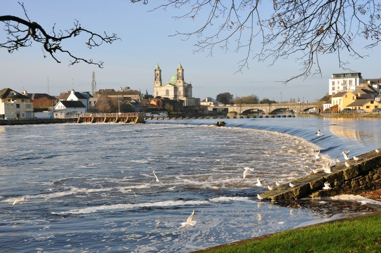 Athlone-weir